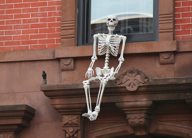 Halloween in Hoboken Guide 2017 | Amazing Halloween Homes to See | Linzer Lane Blog #halloween #hoboken
