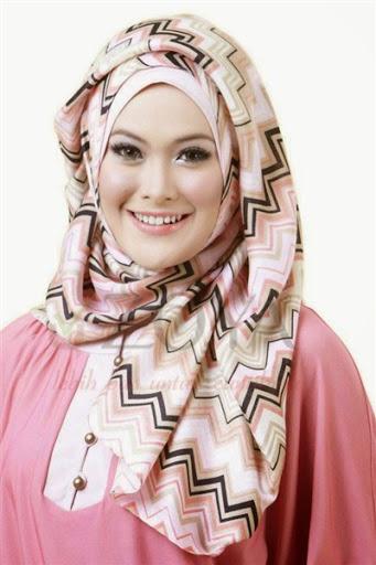 model hijab segi empat terbaru