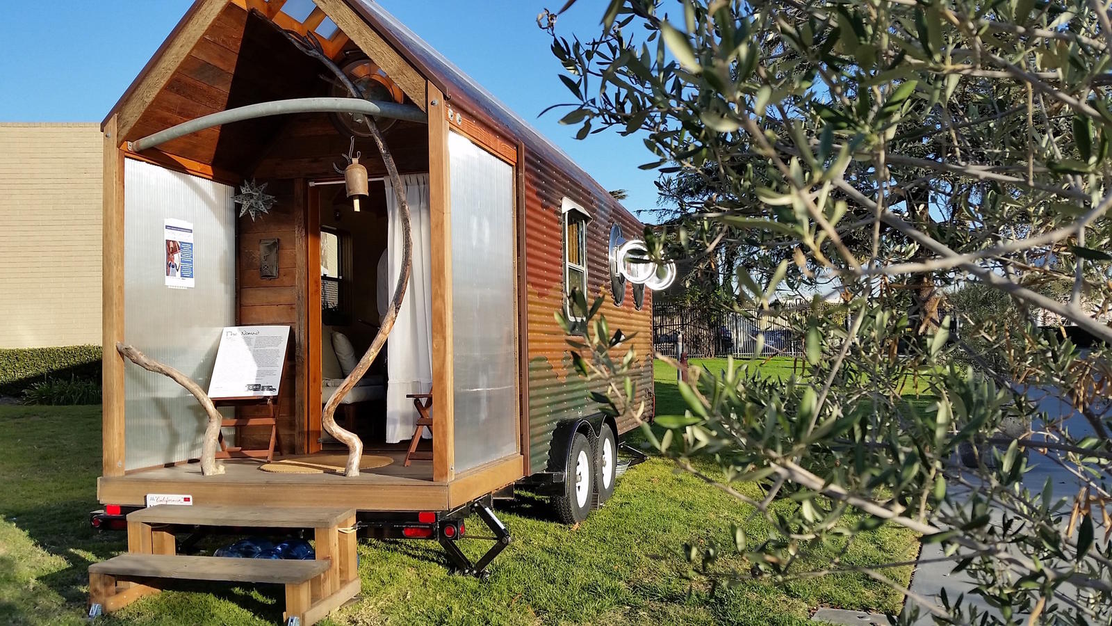 Tiny house town the nomad tiny house 100 sq ft 100 square feet house