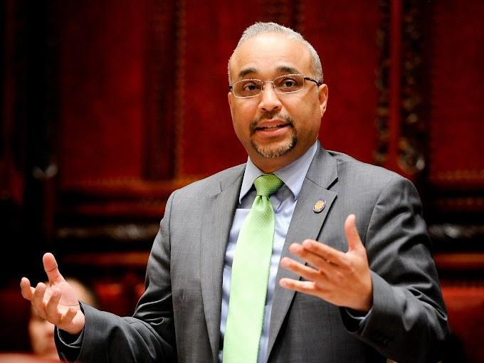 Cierran oficina del senador dominicano José Peralta  por envío de polvo blanco y una nota