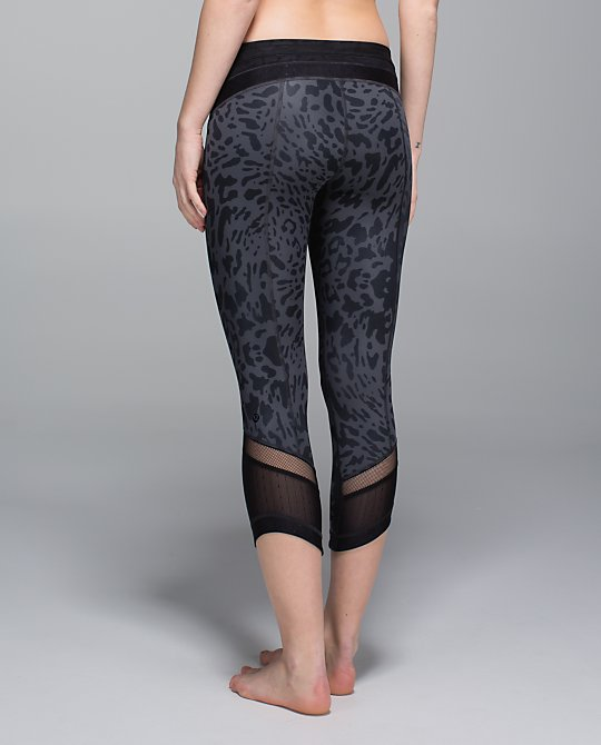 lululemon just breathe crop
