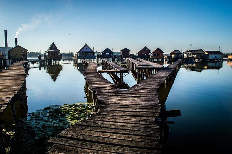 Las casas flotantes del lago Bokodi | Hungría