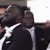 See the groom who couldn't stop crying when he saw his bride walking down the aisle to him