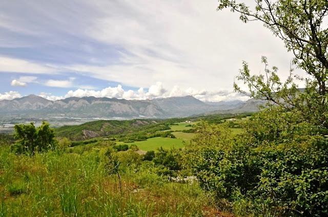 la durance, haute provence, provençaalse alpen, via ferrata de la grande fistoire, sisteron, sigoyer, unesco geo parc de haute provence, les pénitents de mées