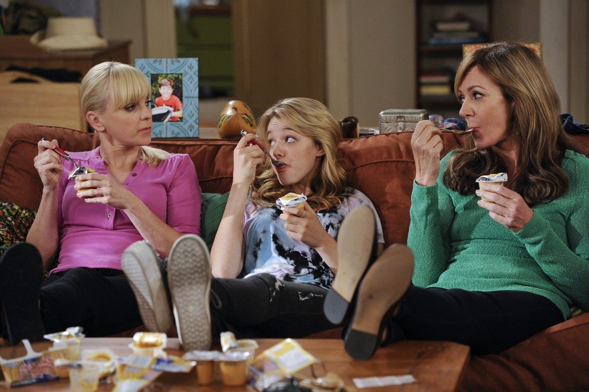 Mom - Season 1 Episode 06: Abstinence and Pudding