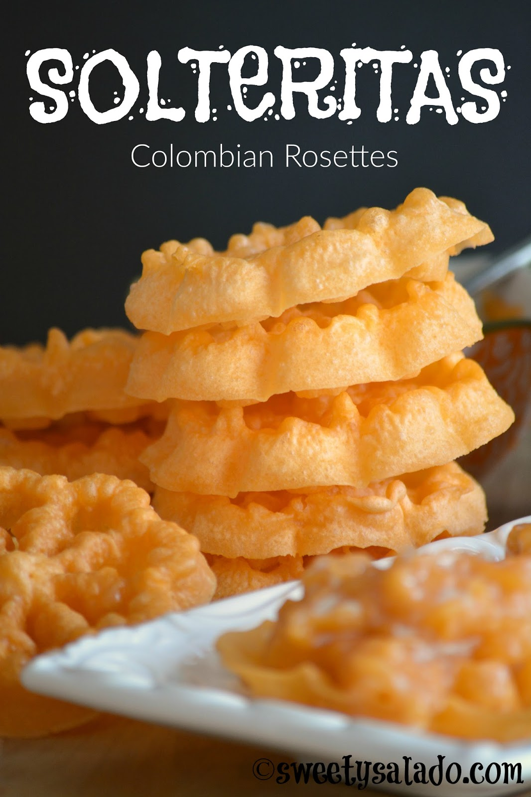 Sweet y salado solteritas colombian rosettes believe it or not these cookies are not colombian in fact theyre called rosettes which are scandinavian cookies that are covered with powdered sugar forumfinder Images