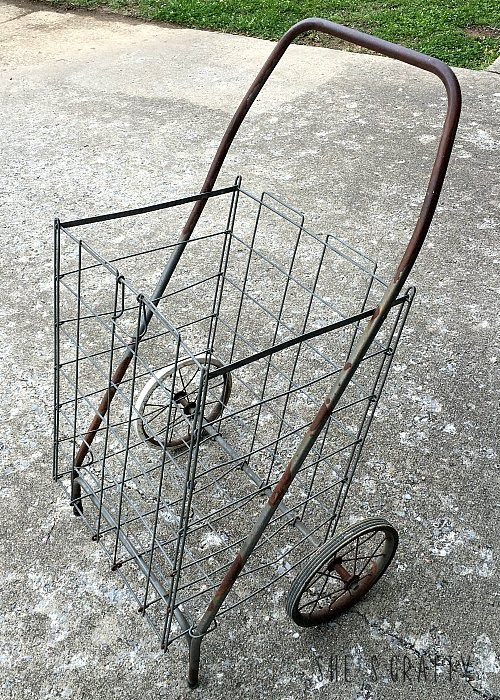 Flea Market shopping cart, vintage shopping cart, metal shopping cart