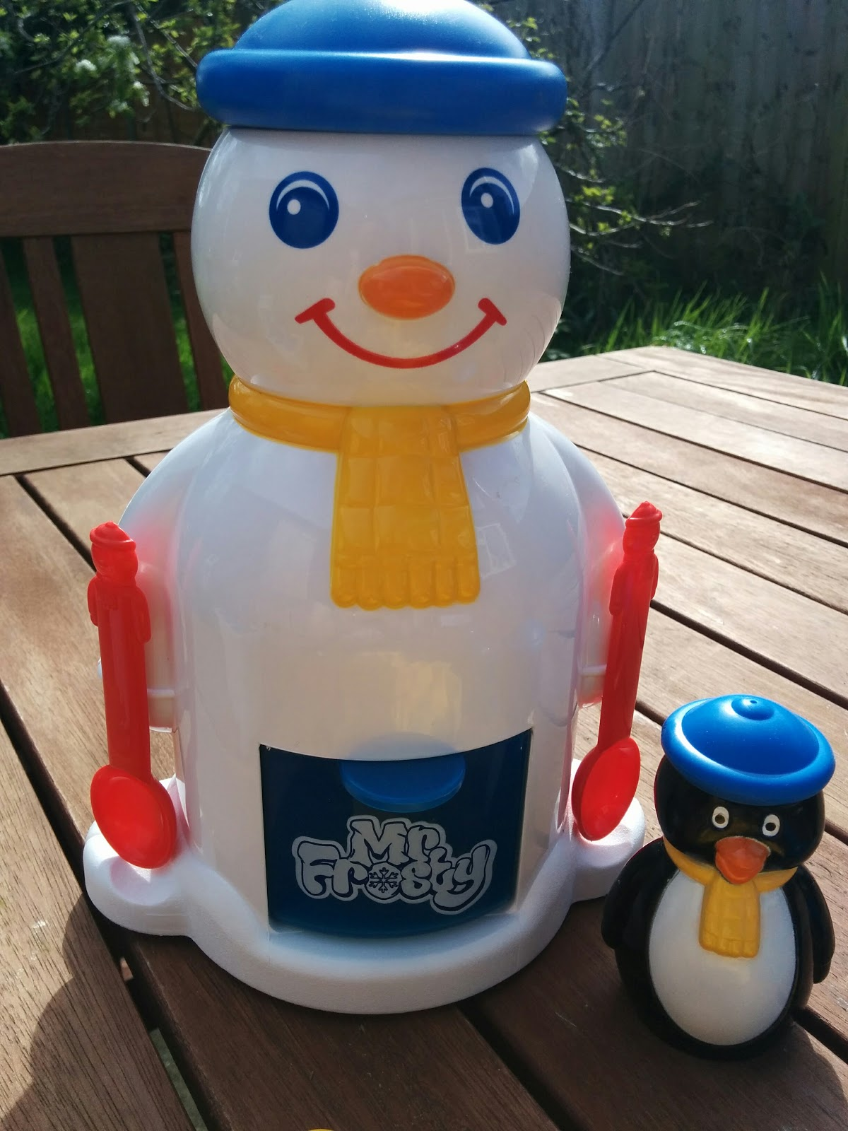A Mothers Ramblings: Mr Frosty Is Back and He's AMAZING! #Review