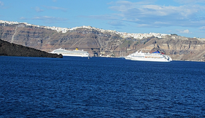 ferry boat from Santorini to Athens
