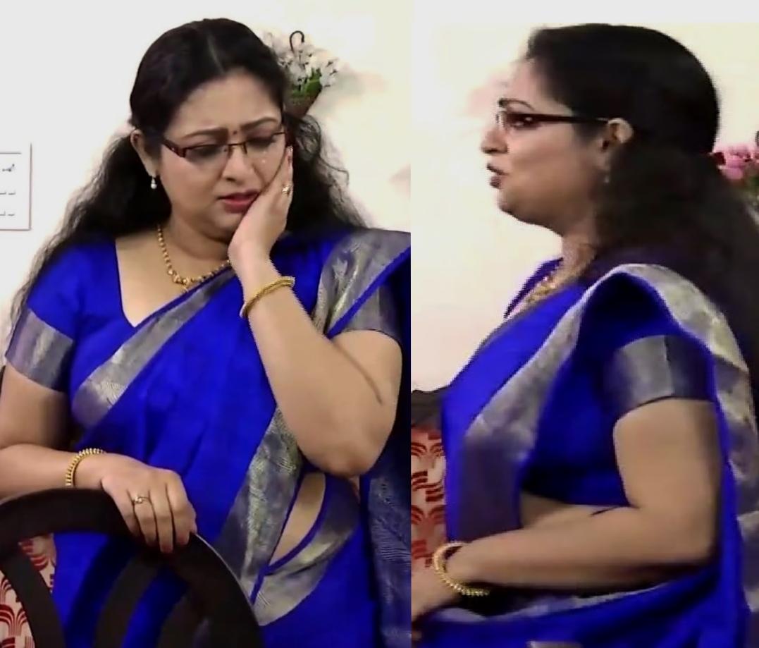 Mallu Tv Actress Reshmi Soman Hot And Sexy In Blue Saree -7673