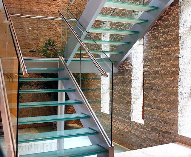 Cầu thang kính - mẫu số 3