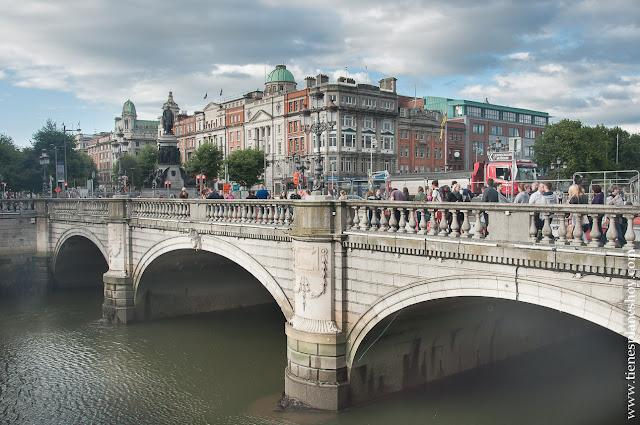 Puente O'Connell Dublin Irlanda