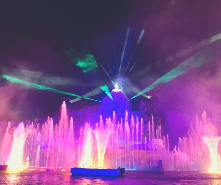 Things That Will Take Your Breath Away In Walt Disney World | Fantasmic! A firework show in Hollywood Studios will take your breath away.