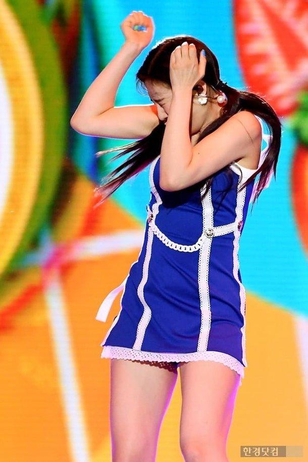 Joy, 'Dream Concert' performansında havai fişeklerden ötürü korktu