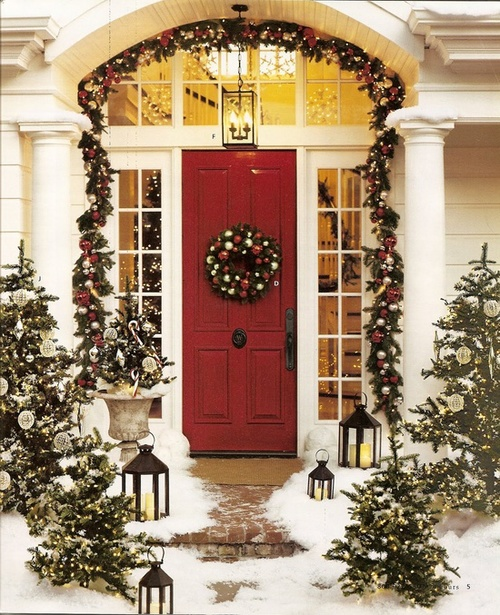 A whole bunch of christmas porch decorating idea easy for Easy front porch christmas decorations