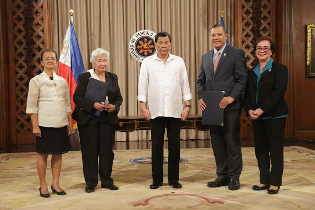 Duterte witnesses signing of GSIS, DepEd pact to finance loan of teachers from private lenders