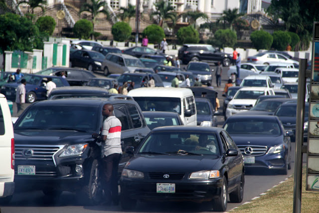 DPR dispenses free petrol to motorists in Abuja