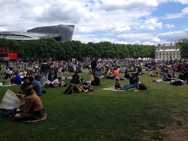 picnic en parque de la Villete en París