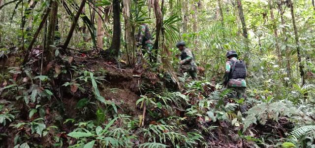 Satgas Raider 300 Laksanakan Patroli Keamanan di Kampung Binaan dan Seputaran Pos Keerom