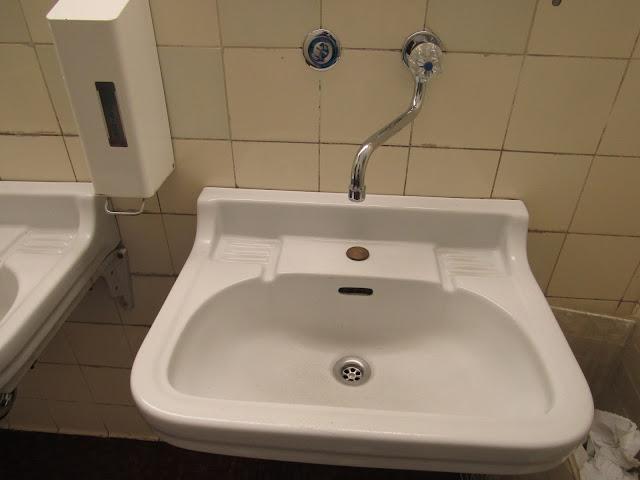 Haus der Kunst e o banheiro original O que ver em Munique Alemanha
