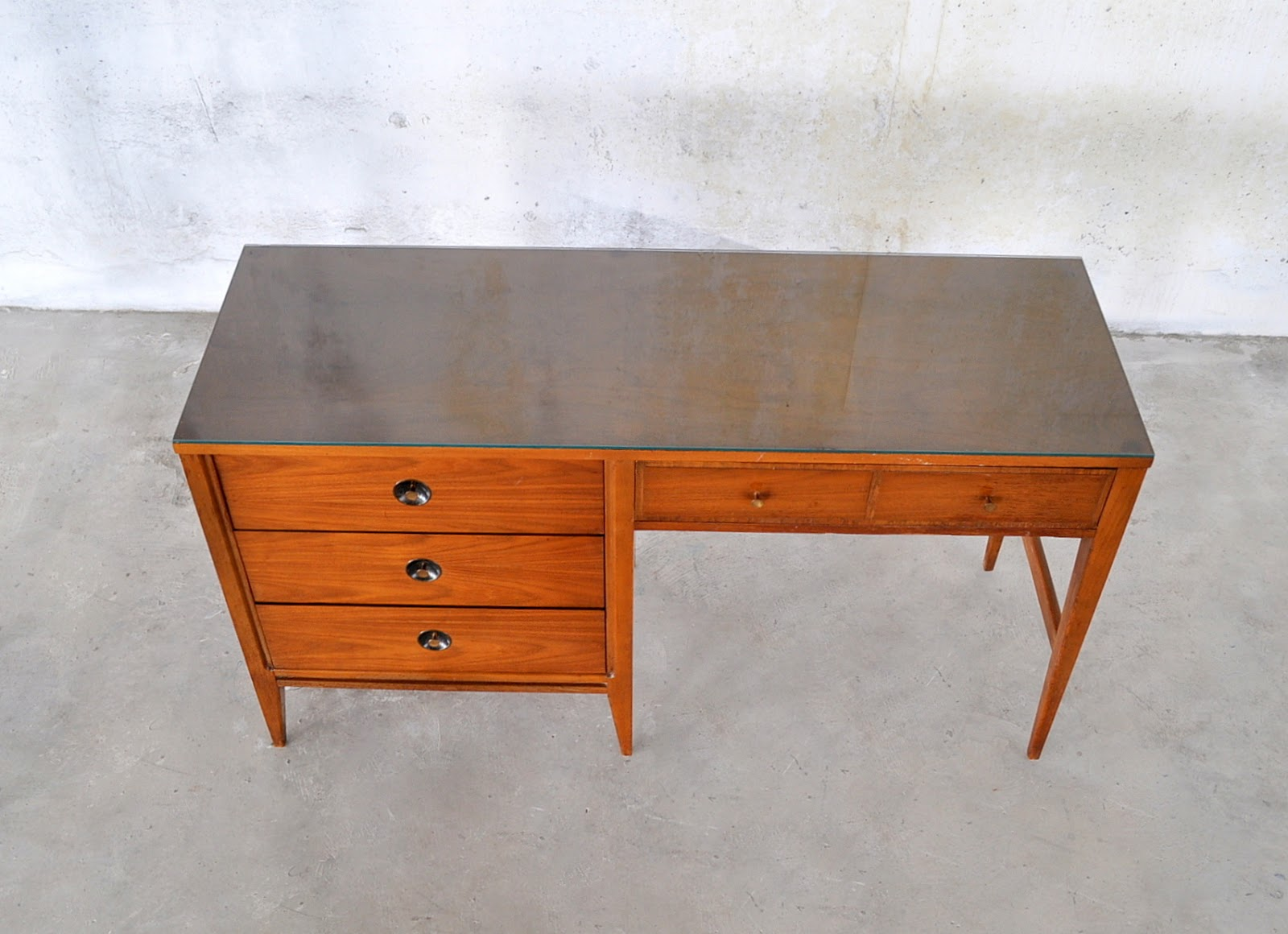 Select Modern Mid Century Modern Desk Vanity Table