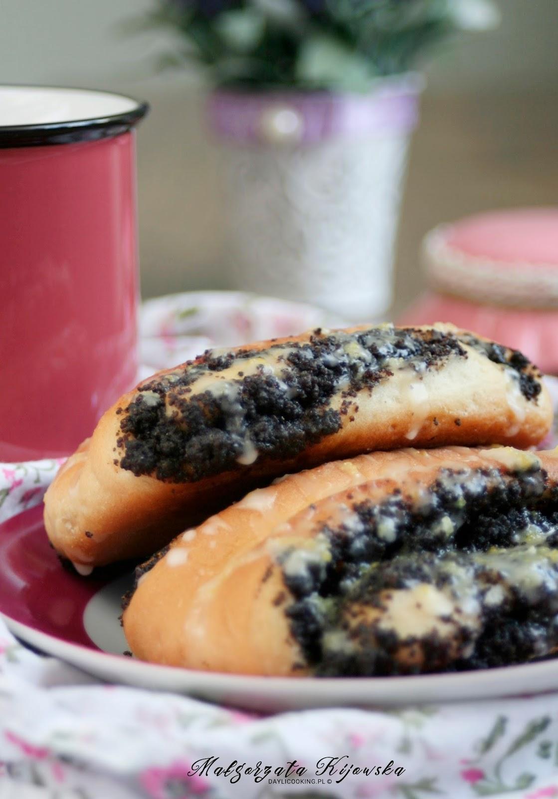 drożdżowe wypieki, cytrynowy lukier ze skórką cytrynową, ciasto drożdżowe, daylicooking, Małgorzata Kijowska