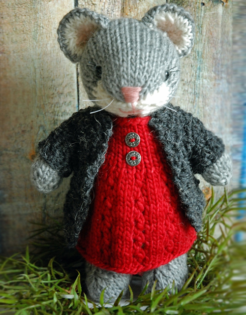 Cute Knitted Mouse - Knitting Pattern