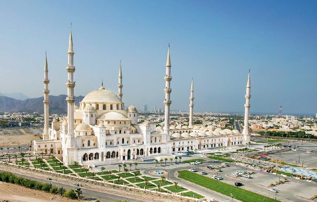 The Shaikh Zayed Mosque in Fujairah