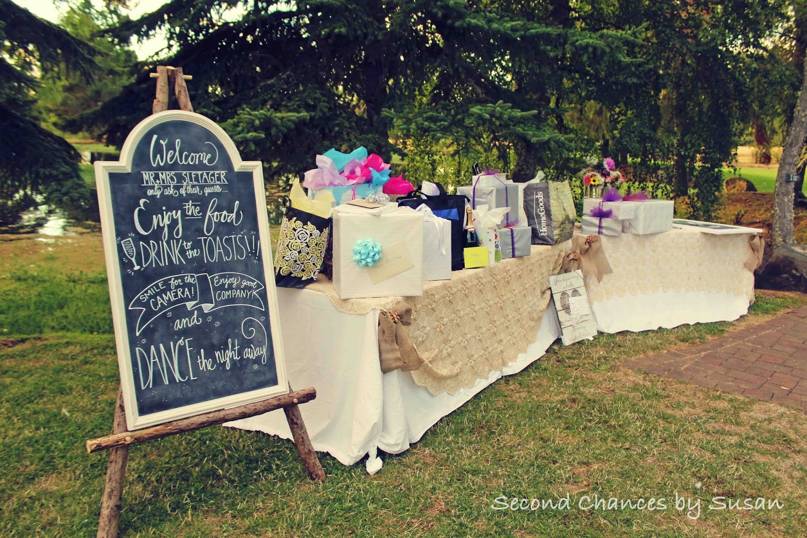 Gift Table Wedding Ideas: Second Chances By Susan: A Romantic Country Wedding