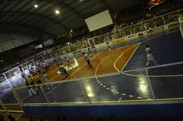 Tapeçaria e Gabolas empatam na abertura do Campeonato milagrense de Futsal
