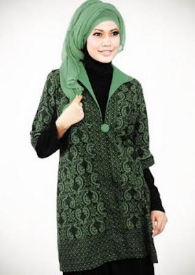 Baju batik modis untuk wanita muslimah ke kantor
