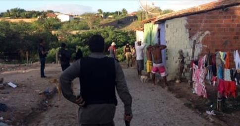 Operação policial em Delmiro Gouveia  resulta na prisão de dois suspeitos de roubos