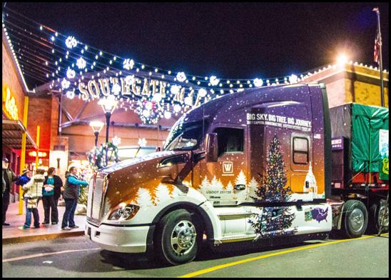 Whitewood Transport Kenworth T680 Advantage Hauling the 2017 US Capitol Christmas Tree