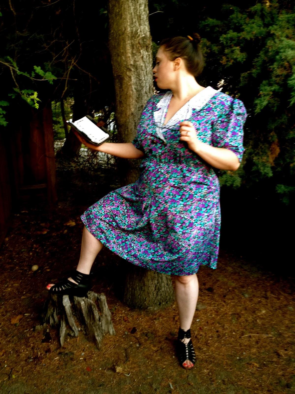 The Curvy Elle Sexy Librarian In A Secret Garden