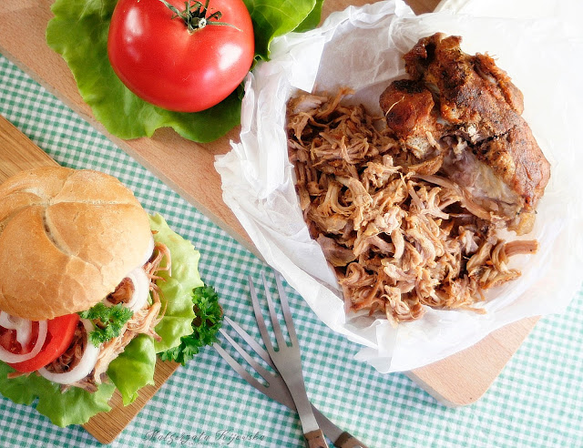 łopatka rwana, co to jest pulled pork, jak zrobić szarpaną wieprzowinę, kanapki z mięsem, bułka z mięsem, daylicooking