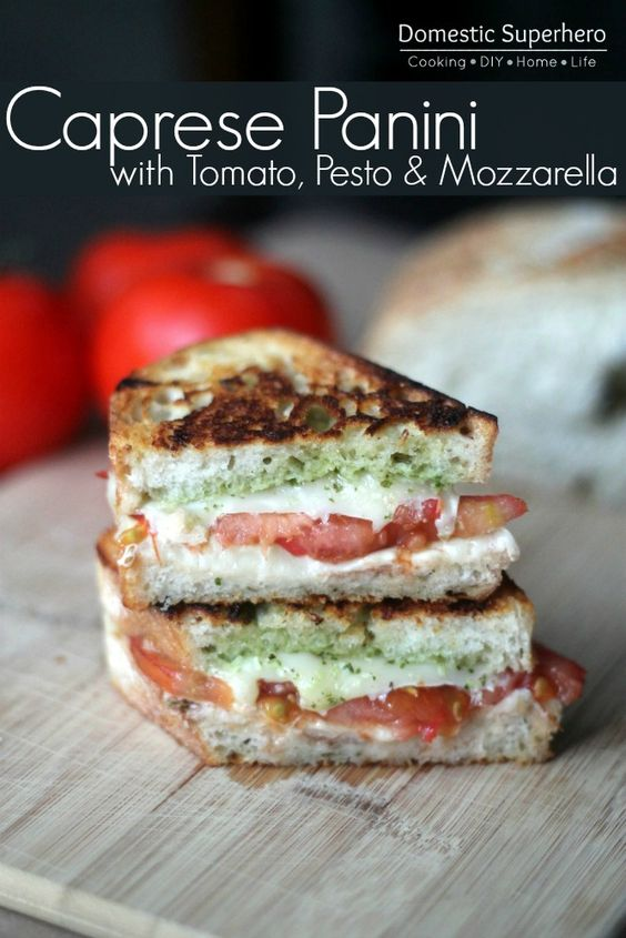 Caprese Grilled Cheese #caprese #grilled #cheese #veganrecipes #vegan #veggies #vegetarianrecipes #easyvegetarianrecipes
