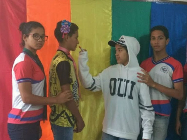 Professor perseguido por abordar identidade de gênero e diversidade sexual na escola