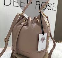 Logo Deep Rose: partecipa gratis e con la video diretta vinci una borsa personalizzata