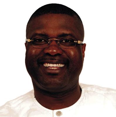 Jubilation in Ikot Ekpene as Nsima Ekere's aide slaps Ex-NASS Member in Abuja