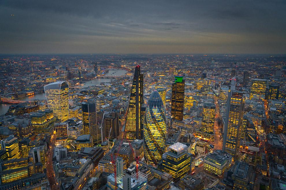 Ночной Лондон с высоты птичьего полета (12 фото)