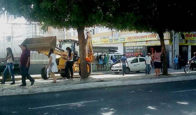 13 pessoas ficam sem emprego após determinação de demolição de barraca