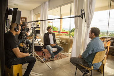 HBO_Em Nome dos Pais_HBO_Matheus Leitão entrevista o irmão Vladimir Netto (CRÉDITO DA FOTO Daniel Galvão)