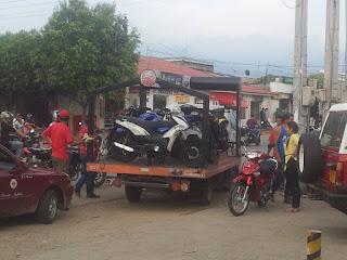 Personas-alrededor-de-Motocicletas-Keeway
