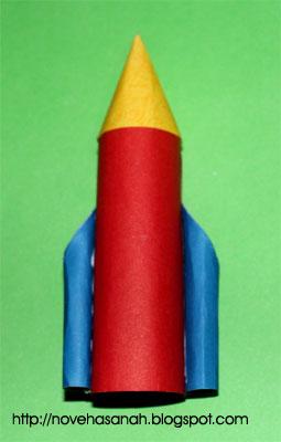 belajar membuat roket dari kertas bekas, mainan yang bisa dibuat oleh anak-anak dengan mudah