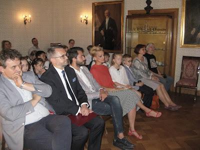 http://www.mdk-muranow.waw.pl/aktualnosci/141-xxv-edycja-konkursu-pt-wydajemy-wlasna-ksiazke-29-maja-2018