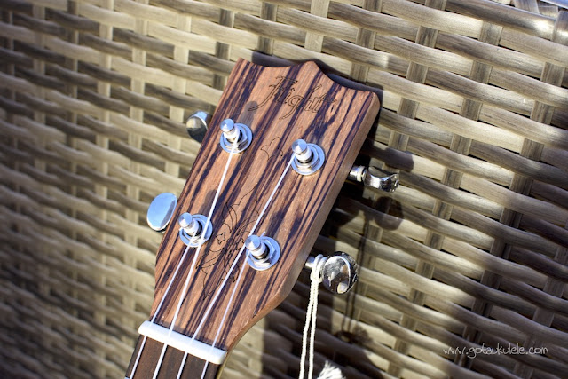 Flight DUS 320 SP/ZEB Soprano ukulele headstock