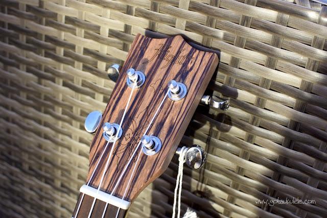 Flight DUS 320 SP/ZEB Soprano ukulele headstock