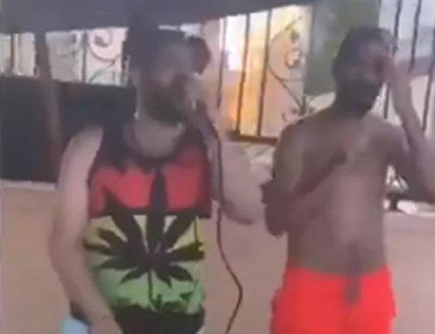 """شاهد فيديو - """"لبنانيون يتعرون في الخبر"""" يثير استياء نشطاء سعوديين على تويتر, فيديو لبنانيين في الخبر,حفلة لبنانيون في الخبر, فيديو حفلة لبنانيين على شاطئ الخبر, حفلة اللبنانيين على الشاطئ, لبنانيات بالمايو على شاطئ الخبر"""
