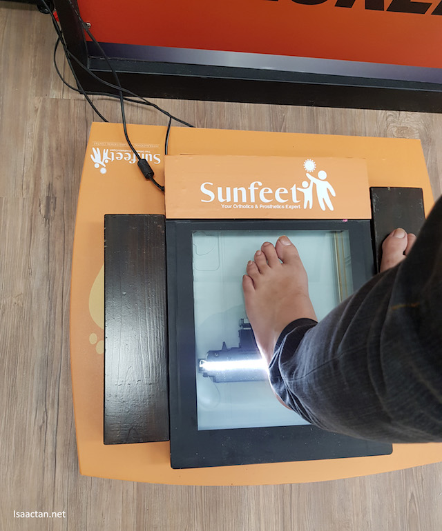 Scanning my feet is so easy at Sunfeet International