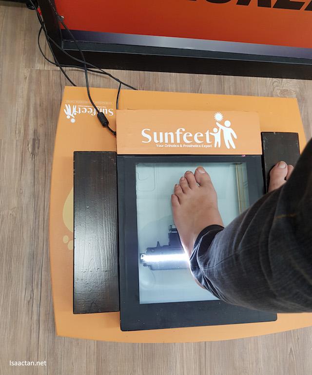 Scanning my feet is so easy at Sunfeet International